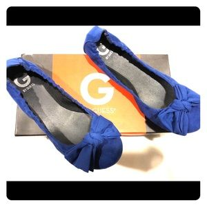Blue bow flats by Guess